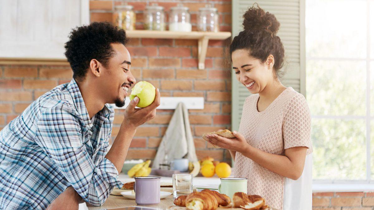 Vale a pena morar junto antes de casar?