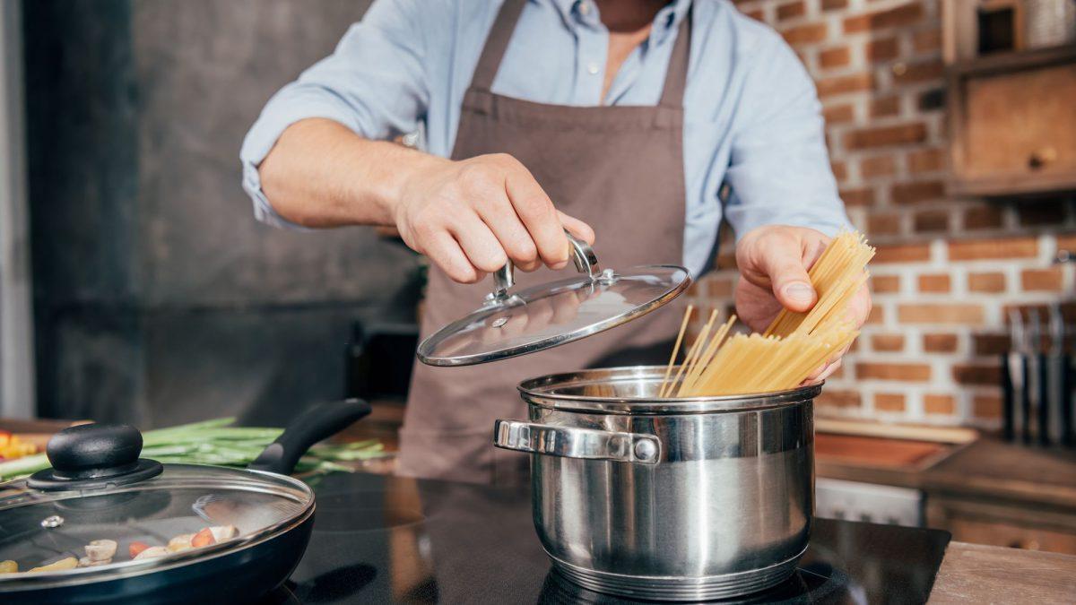 Quais são os utensílios indispensáveis para quem mora sozinho?