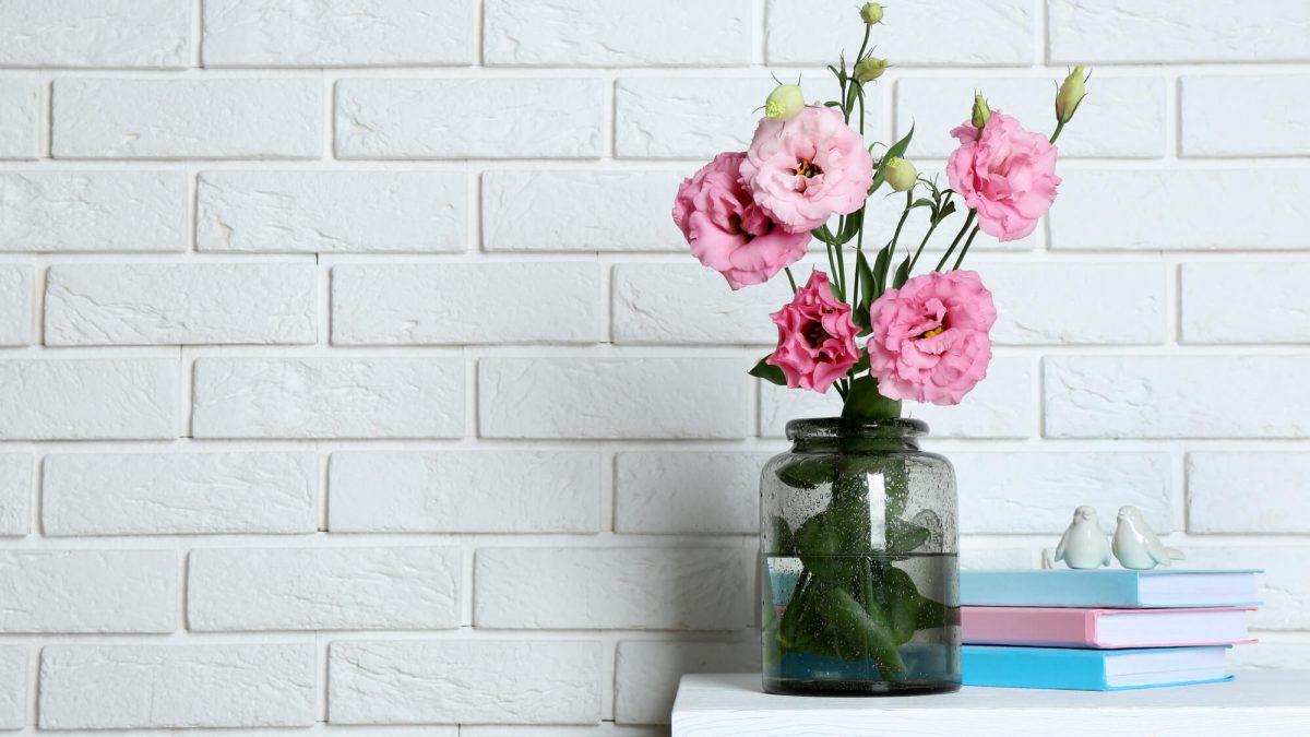 Flores artificiais ou naturais para decoração: como fazer a escolha?