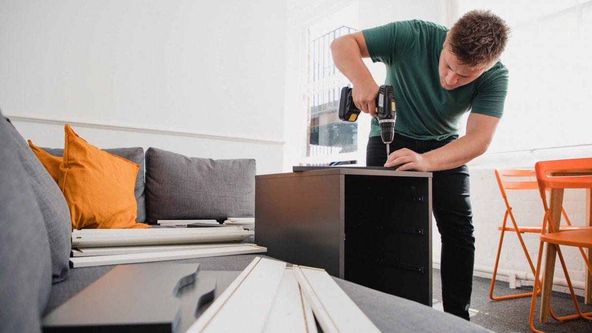 Não perca 5 dicas de ouro sobre como montar móveis da sua casa